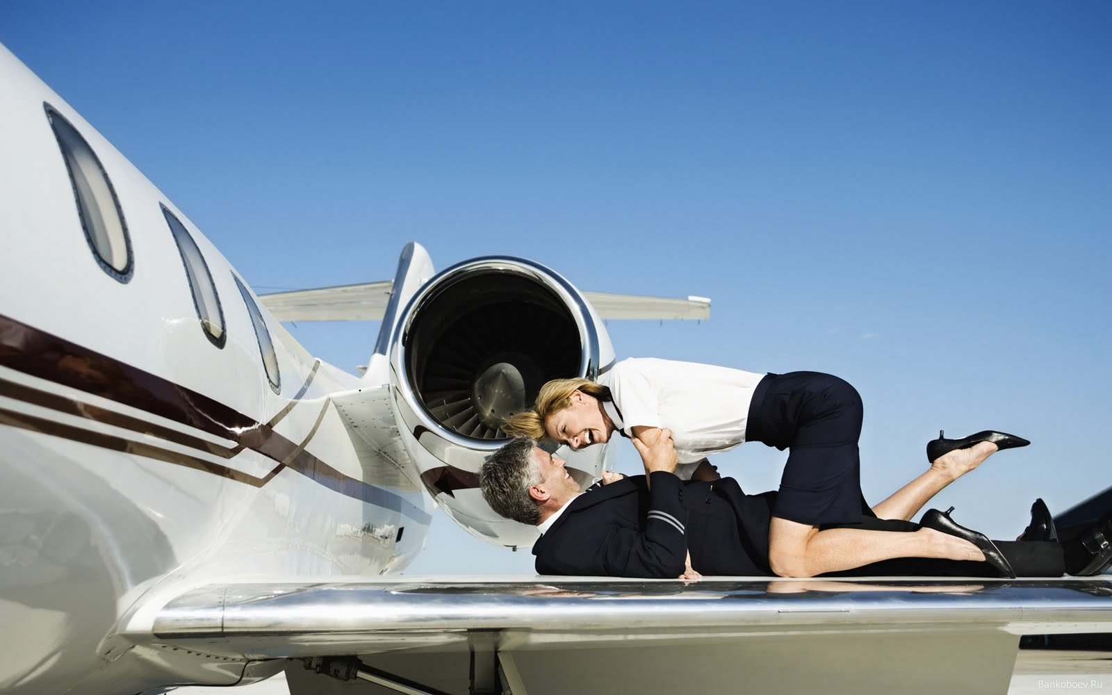 Ролик секс с стюардессой, Стюардессы Порно, смотреть видео Секс со 30 фотография